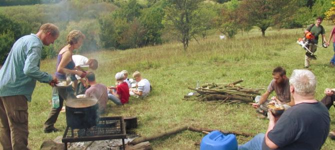wie immer der schönste Naturschutzeinsatz des Jahres: mit tschechischen Freunden am Lipská hora