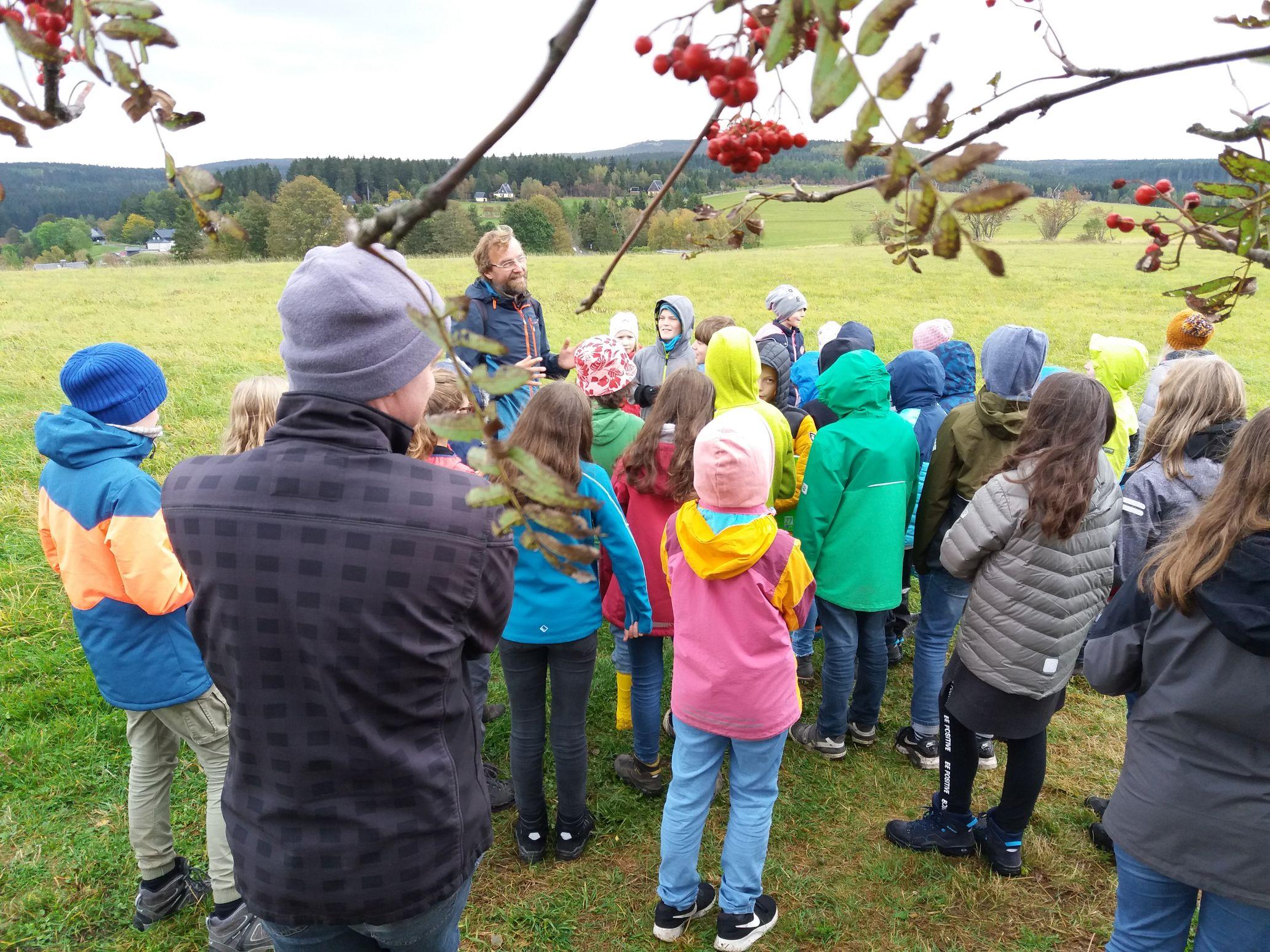 Umweltbildung und Wildäpfel am Schellerhauer Mayenhof